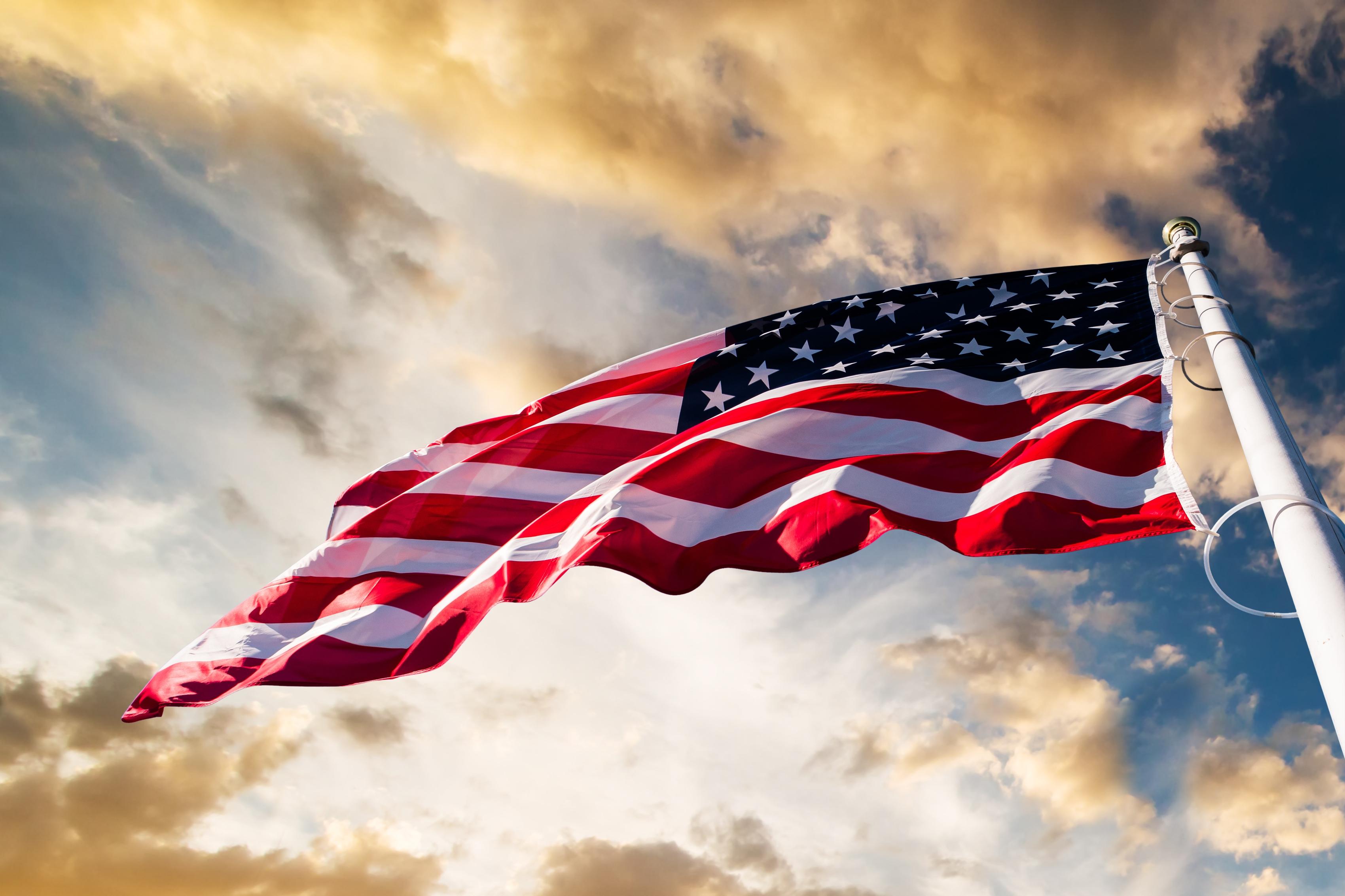 American-flag-waving – Best Money Moves